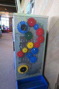 CuriOdyssey science museum: gears