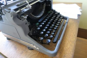 typewriter at Museum of American Heritage in Palo Alto