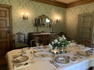dining room in Ainsley House in Campbell
